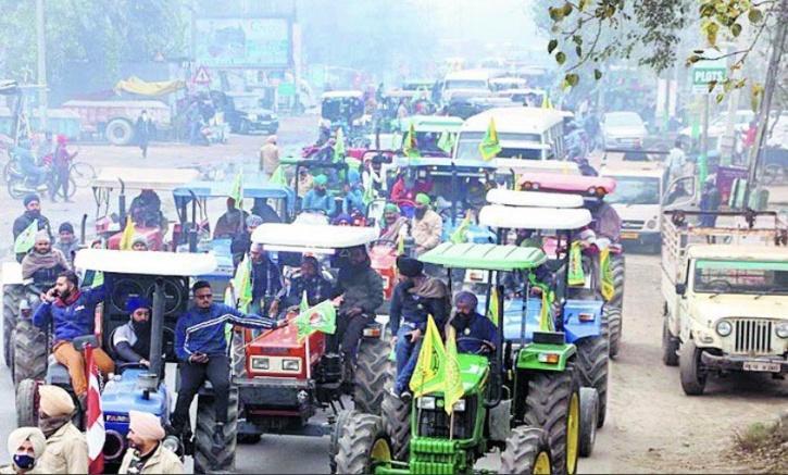 tractor-parade-600fdfa99cf58