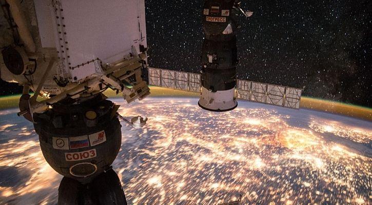 ISS sunrise nasa  - Article Body 68 60ed972d50599 - Astronaut Clicks Amazing Sunrise Reflecting Off Space Station's Solar Arrays
