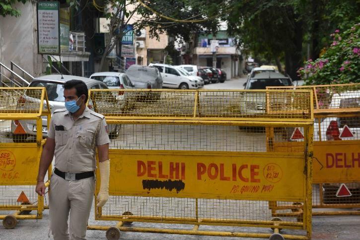 delhi covid containment