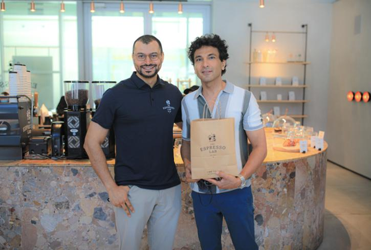 The expresso lab in dubai. must visit cafe in Dubai, Chef Vikas Khanna at the espresso lab Dubai