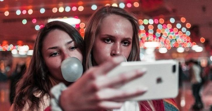 social media women