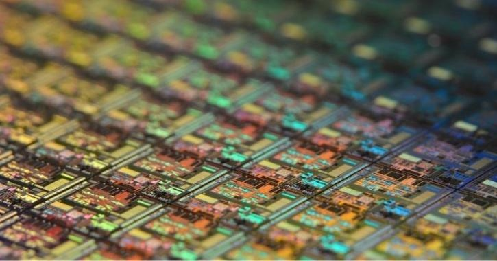 silicon wafer close up pic