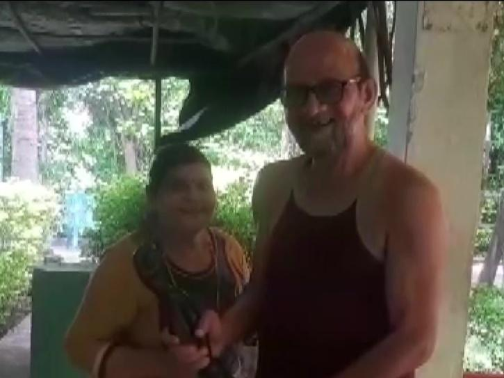 After Working For 25 Years In Bollywood, Art Director Faces Financial Crisis, Wife Seeks Help