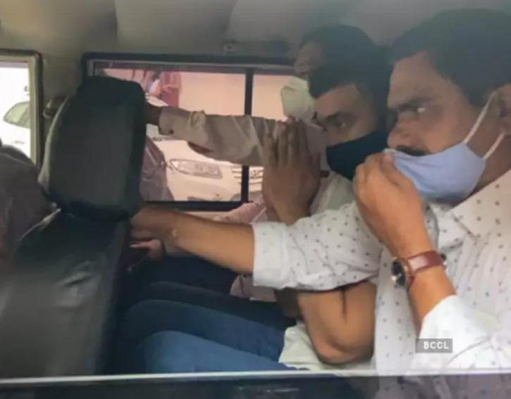 Raj Kundra's Custody Extends To July 27, He Greets Paparazzi With Folded Hands