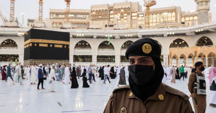 saudi women mecca