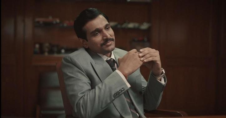 Pratik Gandhi as Hansal Mehta in Scam 1992: The Harshad Mehta Story / SONY LIV