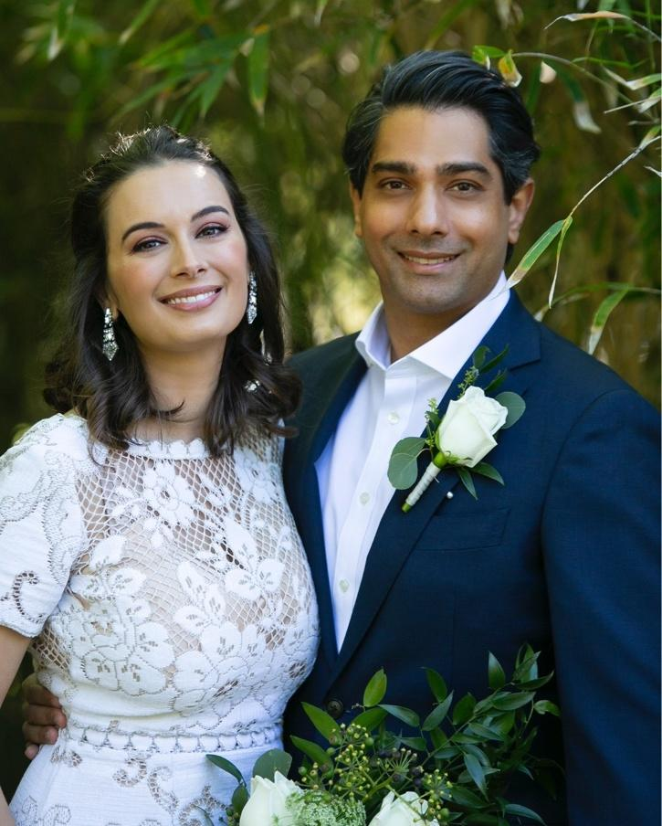 Evelyn Sharma Looks Every Bit Dreamy As She Ties Knot With Tushaan Bindi In An Intimate Ceremony,
