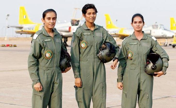 Avani Chaturvedi with other women pilot