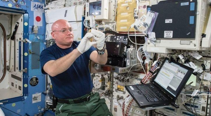 washing clothes in space