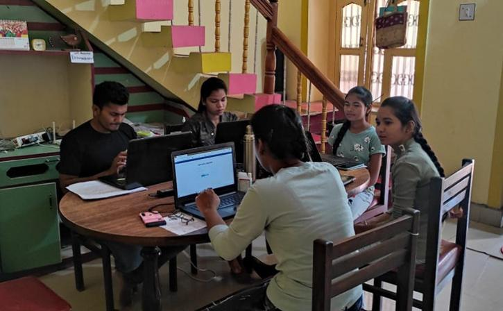 The organisation Eklavya brings together students in the rural parts of Yavatmal to help them prepare for entrance exams