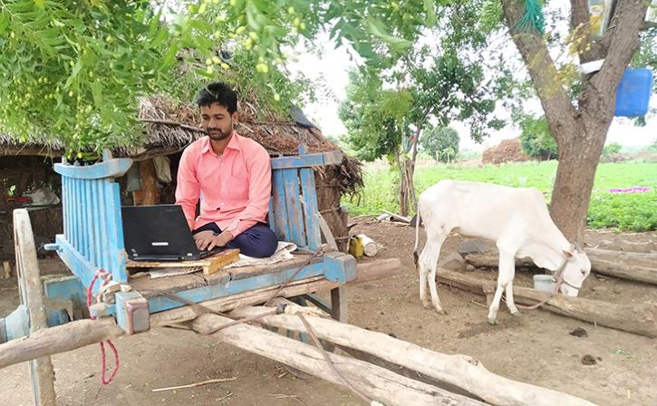 Tukaram Gaikwad has had to get creative to find spots with good internet connectivity