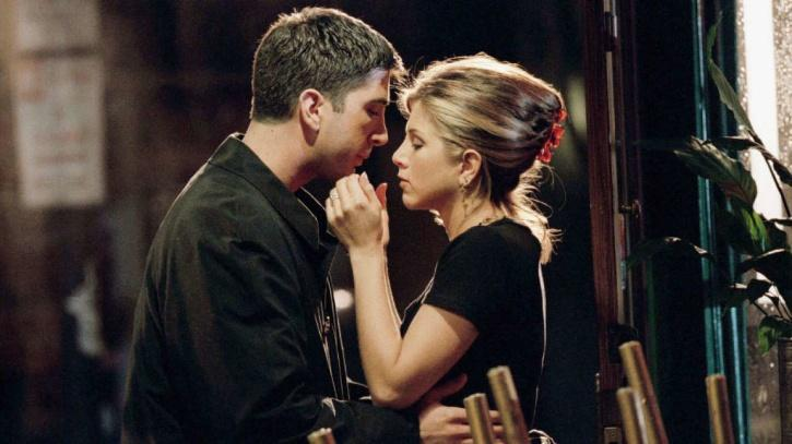 Jennifer Aniston is still loved for her character Rachel from Friends. And how everyone wished to see the real love story of Ross and Rachel even in real. In fact there were many reports doing the round of them dating in real. But finally Jennifer has put