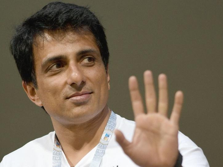After Medical Equipments, Sonu Sood Is Now Arranging Dead Body Freezer Boxes For Villages
