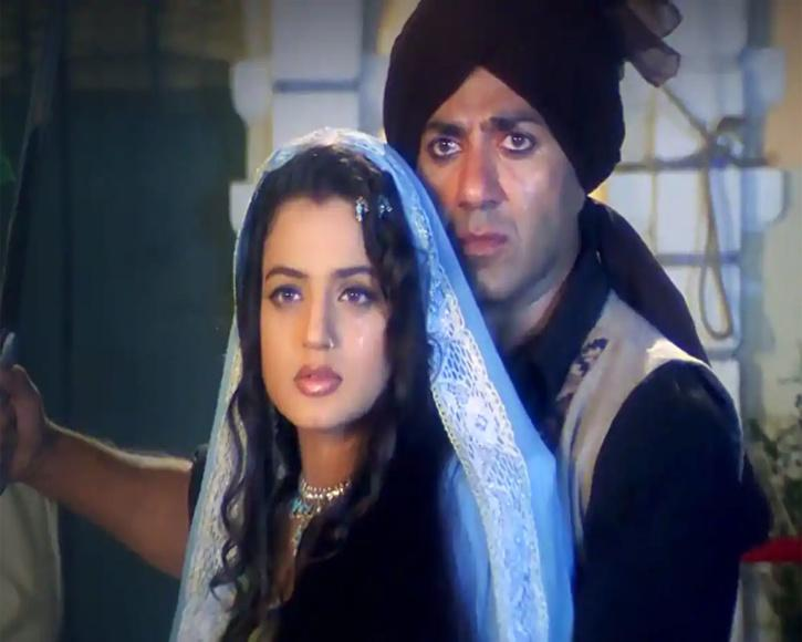 Sunny Deol and Ameesha Patel in Gadar / Twitter