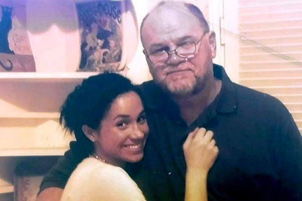 Meghan Markle with her father Thomas Markle / Twitter
