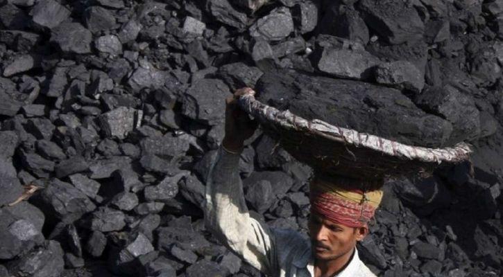 coal mine worker in india