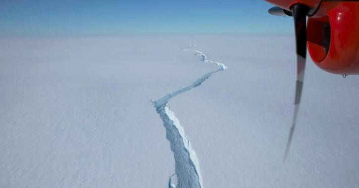 An iceberg has broken off the 150 metre Brunt Ice Shelf near British research station.