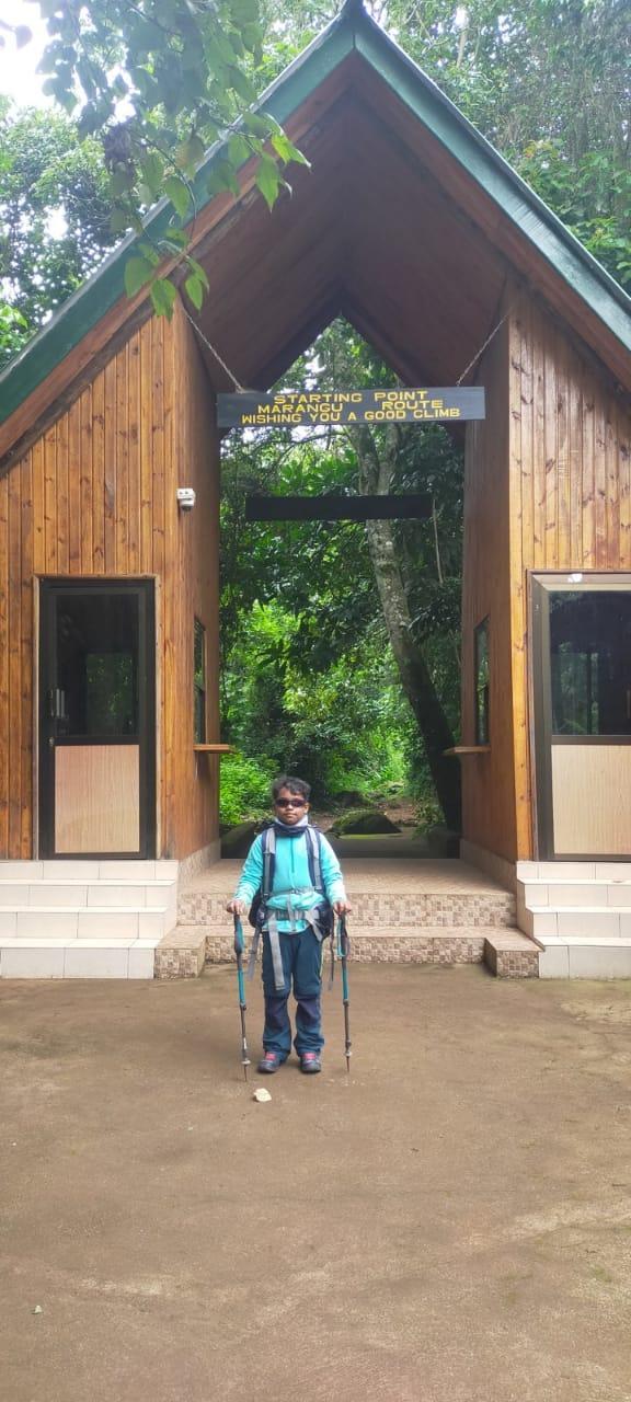 girl-climb-kilimanjaro