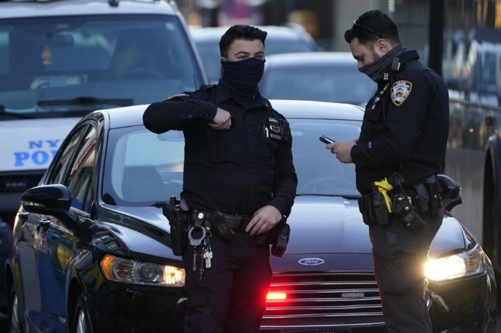 ny-cops attacker filipino woman new york