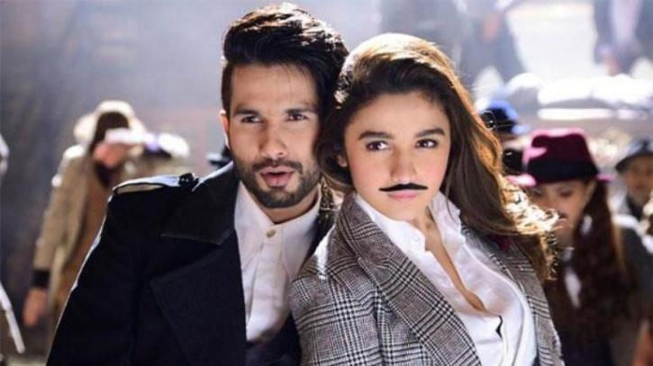 Shahid Kapoor and Alia Bhatt in Shaandaar / Twitter
