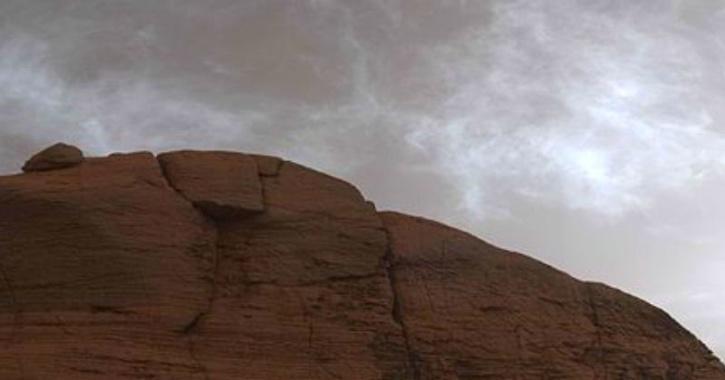 NASA curiosity mars clouds