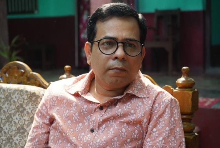 Dashrath Pandey, MX Player, Runaway Lugaai