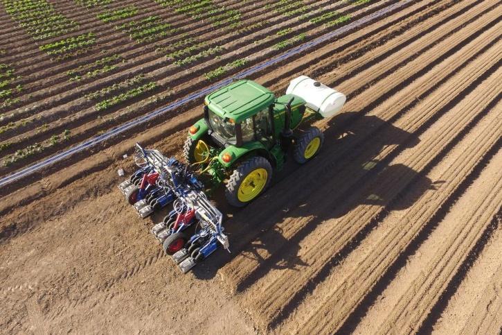 Farmer moves French Border