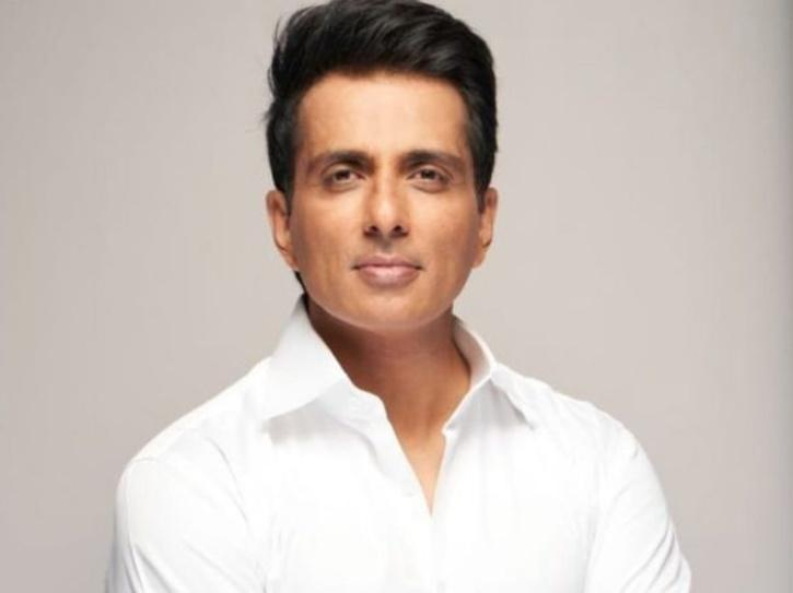 Sonu Sood Asks Doctors To Prescribe Substitute For Unavailable COVID 19 Medicines & Save Lives
