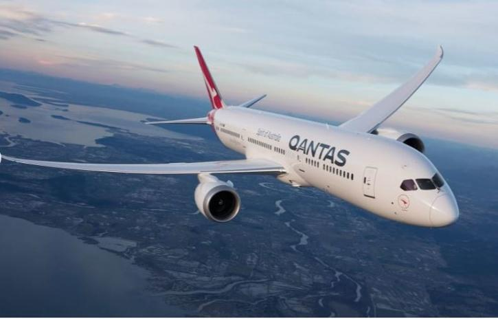 """The Qantas flight will take place on a Boeing 787 Dreamliners as its big windows would be """"ideal for Moon gazing."""