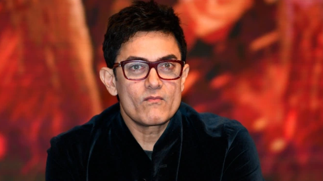 When Young Aamir Khan Stuck His Debut Film Posters On Auto Rickshaws In This Viral Video