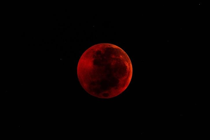 According to the National Aeronautics and Space Administration (NASA), in total lunar eclipse or Blood Moon, the Earth comes in between the Sun and the Moon.