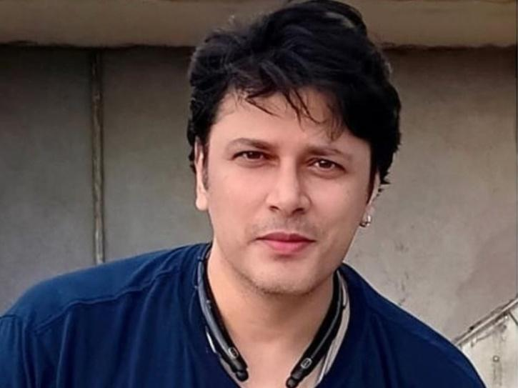Cezanne Khan Rubbishes The Rumours Of Shifting To Pakistan, Says I Didn't Take Break From Acting