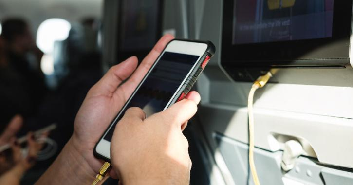 Suzuki had asked a flight attendant for help to charge her phone but became angry when the phone did not charge.
