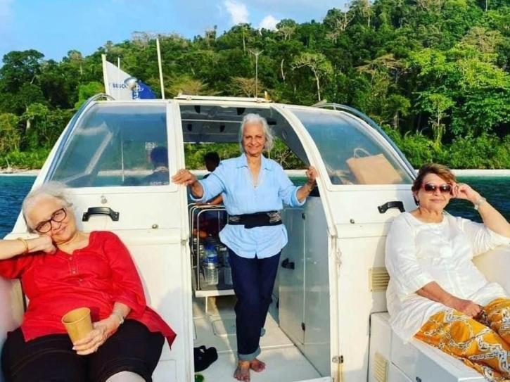 Waheeda, Asha & Helen Recreate