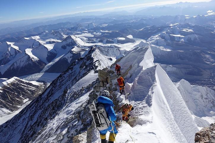 Everest oxygen cylinders nepal