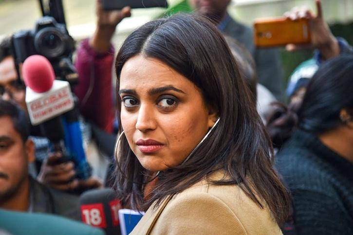 Swara Bhasker Questions Union Minister Prakash Javadekar's Statement Of India Will Fully Get vaccinated By December 2021