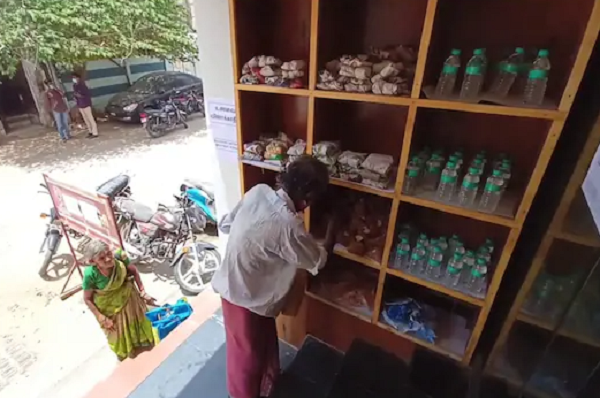 Wall of kindness comes up in Kumbakonam in Tamil Nadu