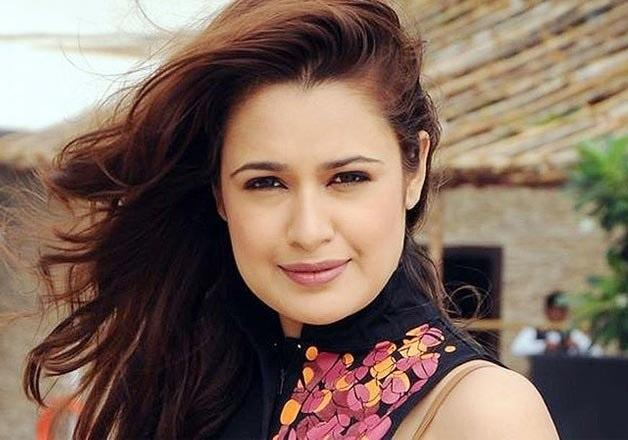 Yuvika Chaudhary Apologises For Suing Word Bhangi After People Demand Her Arrest For The Same