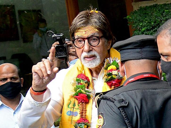 Amitabh Bachchan meets fans on his birthday.
