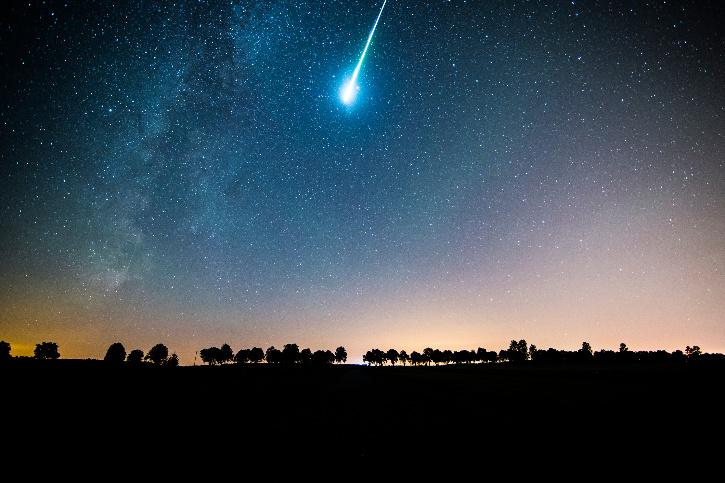 Canadian woman has close call with meteor