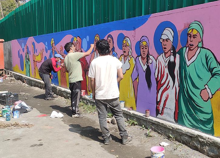 Students Paint Kashmir City