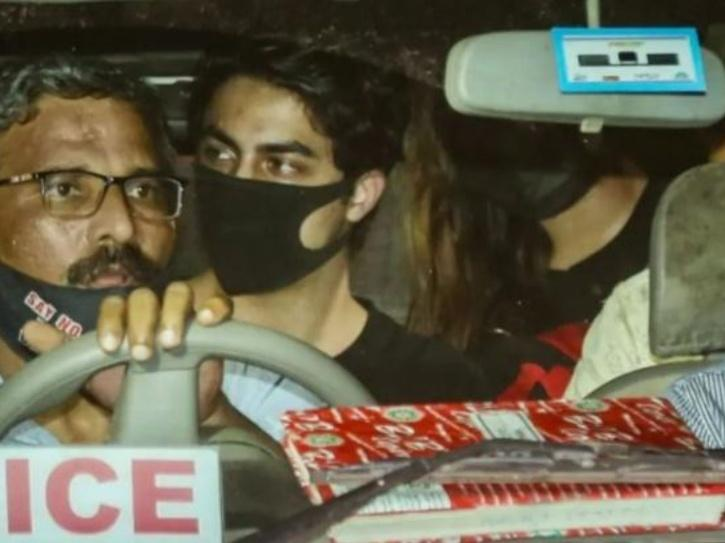 SRK & Aryan Are Being Targeted Says Suchitra, Mika Singh Questions The Motive Behind His Arrest
