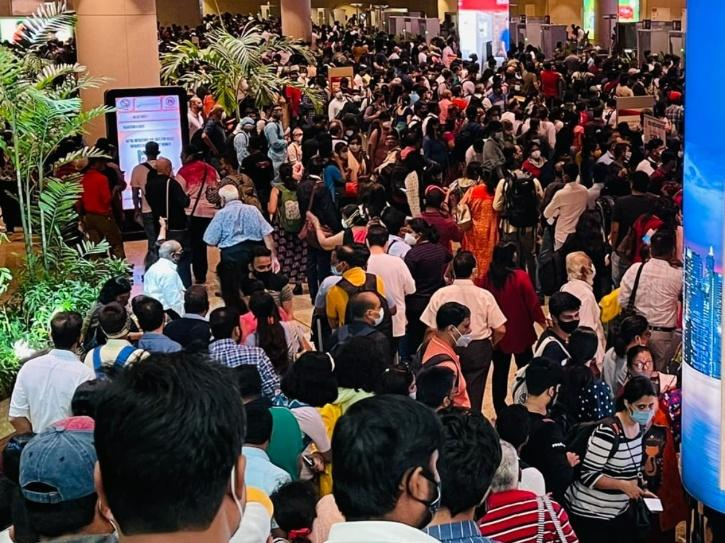crowd airport