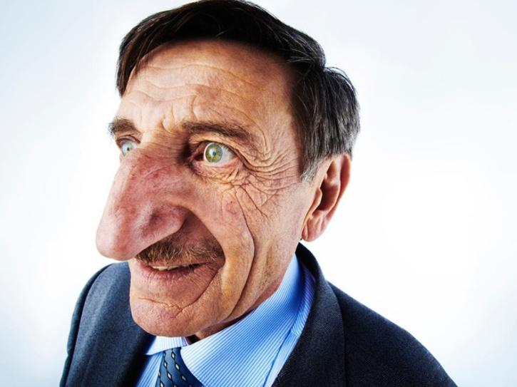 longest-nose on living person