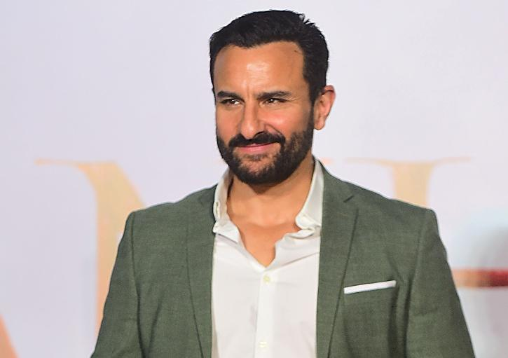 Saif Ali Khan Calls SRK An Emperor, Says I'm Like A Fish-N-Chips Guy Compared To Him