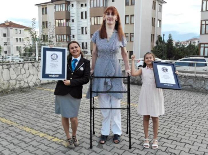 tallest-woman gelgi