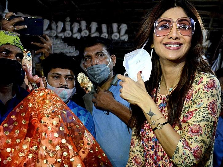 Shilpa Shetty Chants