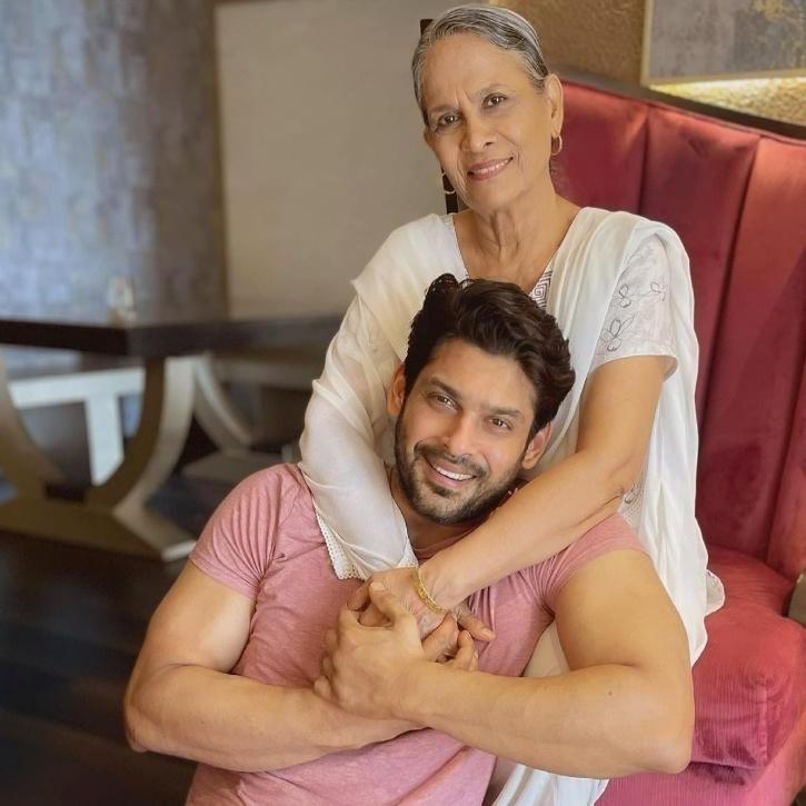 Sidharth, a carefree soul who just wanted to enjoy life and his work, was one kind soul and always helped people around him in some way or the other.
