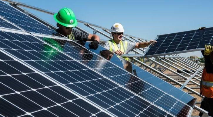 rooftop solar installation pic