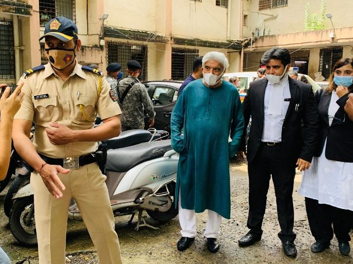 Javed Akhtar during the hearing of defamation case against Kangana Ranaut.